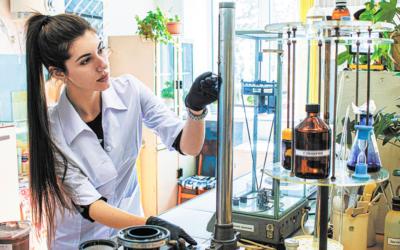 09 laboratoriya — {:ru}Услуги лабораторий{:}{:en}Laboratory services{:}