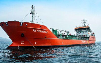 "novyj tanker na sahalin — {:ru}Новый танкер «РН Приморье» совершил первый рейс по доставке нефтепродуктов из Находки на Сахалин{:}{:en}New tanker ""RN Primorye"" made the first voyage to deliver oil products from Nakhodka to Sakhalin{:}"